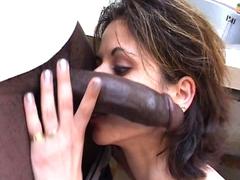 Française mature baisée dans sa cuisine