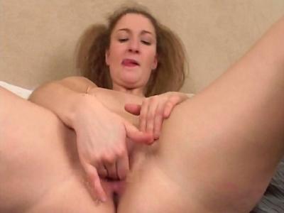 clitoris excité jeune salope porn